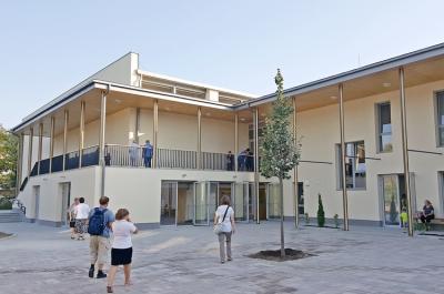 Új sportcsarnok két iskolában