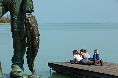 Bajban a turisztikai egyesületek